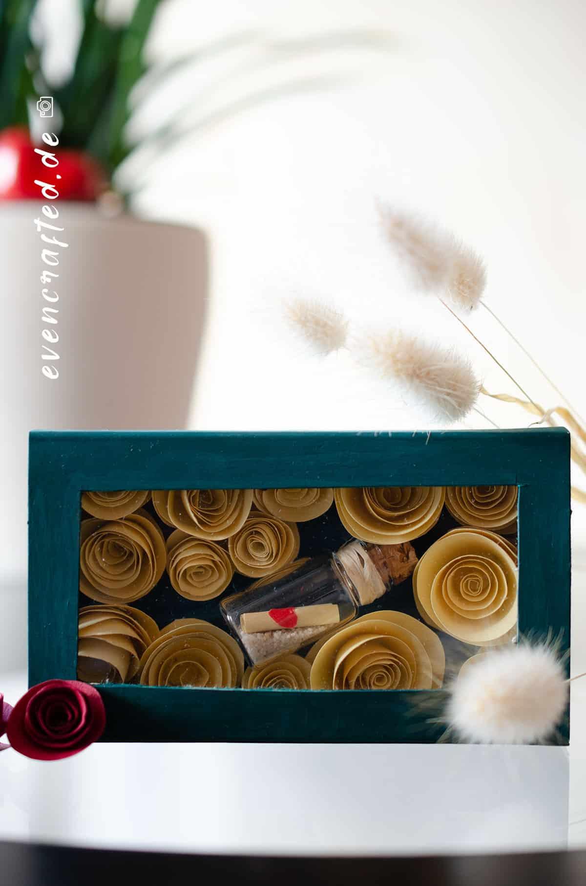 Valentinstag steht vor der Tür und Du hast noch kein Geschenk? Mein DIY Bastel Geschenk kommt von Herzen und ist schnell gemacht | evencrafted.de ♥ DIY & Naturkosmetik Blog