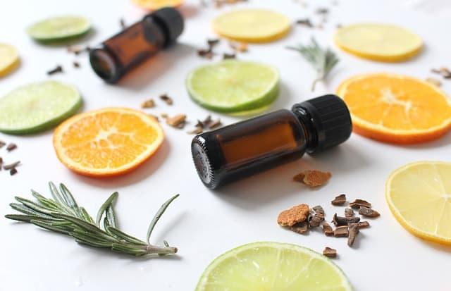 Linanool und Geraniol sind Stoff aus ätherischen Ölen