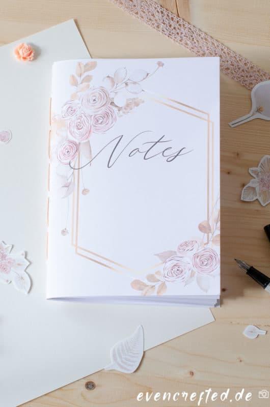 Hast Du nicht mal Lust ein Notizbuch selber zu machen und dann hübsch zu gestalten? Ich zeige dir 6 kreative Ideen wie: Ob als Bullet Journal, Tagesplaner oder Rezeptheft | evencrafted.de ♥ DIY & Naturkosmetik Blog